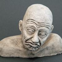 Seelenbilder, die Dummheit, Keramik, 17 x 3,5 x 14 cm