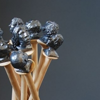 Nägel mit Köpfen, Linde, Keramik, 85 x 40 x 30 cm